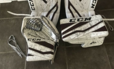 CCM Extreme Flex 3.9 Trapper and Blocker